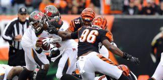Fantasy Football Team Defenses Sits Week 10 - Carlos Dunlap